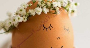 تخم مرغ زیبای دیزاین شده در جام سفید