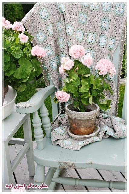 تزیین پذیرایی با گلدان گل