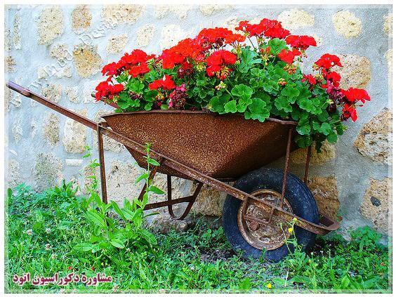 گلدان گل فلزی
